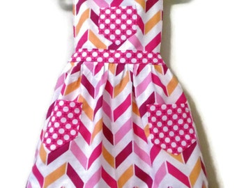 Chevron Apron, Children's Apron, Toddler apron, Girls Apron, Baking Apron, Cooking Apron, Kids Apron, Little Girls Apron, Retro Style Apron