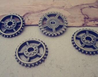 20pcs Antique bronze gear pendant charm 17mm