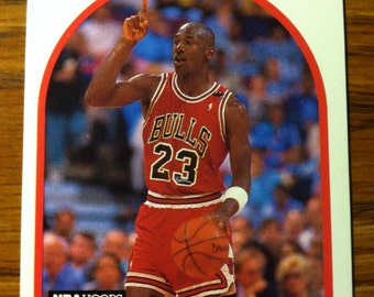 MICHAEL JORDAN 1989-'90 Chicago Bulls Basketball Card Vintage HOF Very Nice!