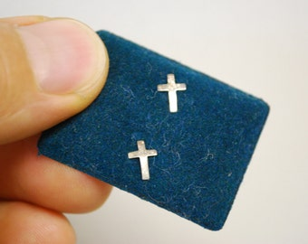 Vintage CROSS EARRINGS - 14K Gold