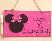 MINNIE MOUSE COUNTDOWN  Disney chalkboard sign handcrafted count down