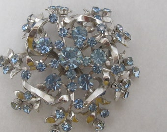 Vintage Pale Blue and Silver Toned Brooch