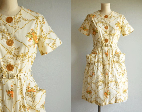 Vintage 1950s Dress / Rose Print Floral Cotton Day Dress with Pleated Skirt Cream Gold and Orange