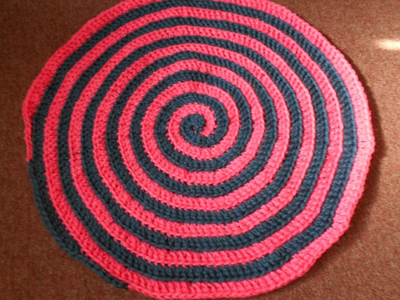 items similar to hypnotizing hot pink n navy blue home decor rug on etsy. Black Bedroom Furniture Sets. Home Design Ideas