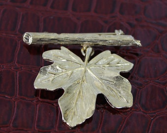 Gold Tone Leaf Brooch.