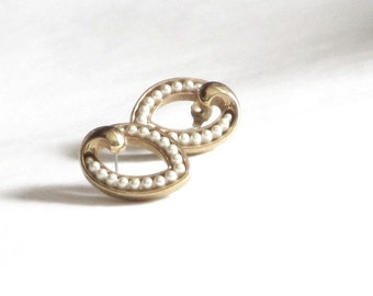 Classic Pearl Gold Bridal Earrings Modern Twist Vintage Oval Pearl Posts Channel Set Elegant Something Old Something New
