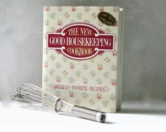 The New Good Housekeeping Cookbook Illustrated Hardback 1986 Edition Cooking Instructional Kitchen Decor