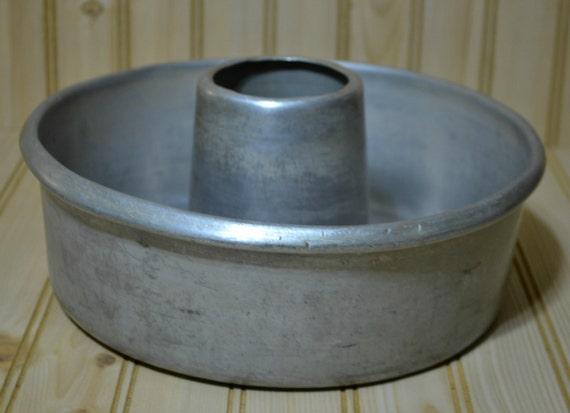 Vintage Aluminum Bundt Pan Metal Angel By Grannysbackporchvint