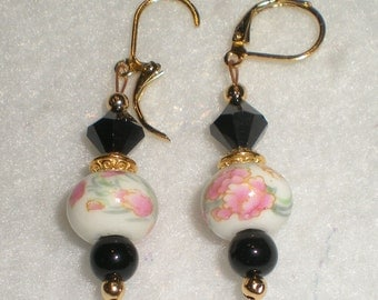 Ceramic Flowers, Black & Gold Beads Removable Stitch Markers