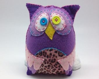 Purple wise owl soft plushie handmade in felt, cute owl plush, soft owl felt plushie, stuffed owl toy decor, button eyes felt owl home decor