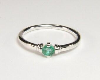 Emerald (3.2mm Transparent Genuine Emerald), 0.16 Carat, Round Cut, Sterling Silver Ring