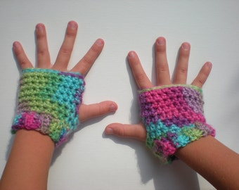 PATTERN:  Kid Gloves, fingerless, easy crochet PDF InStaNT DowNLoaD, wrist warmers,  seamless cuffed mittens, permission to sell