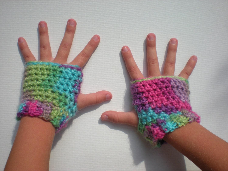 Crochet Fingerless Gloves Pattern Easy : PATTERN: Kid Gloves fingerless easy crochet PDF InStaNT