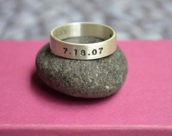 Personalized Fathers Mens Name Ring in Sterling Silver with Birthdates, Mens band, engraved ring for Man
