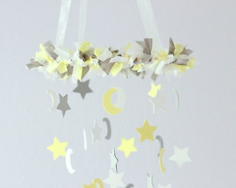 Star Mobile in Yellow, Gray & White- Nursery Mobile Baby Shower Gift, Nursery Decor, Photography Prop