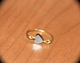 Tiny Hematite Heart Yellow Brass Thin Ring Handmade, Toe Ring Knuckle Ring, Gold Stacking, Midi Ring, Gold Ring, Minimalist Ring