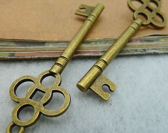 10PCS antique bronze 15x47mm carved key charm pendant- WC2319