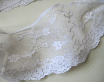 Vintage delicate white wide lace trim 1yard