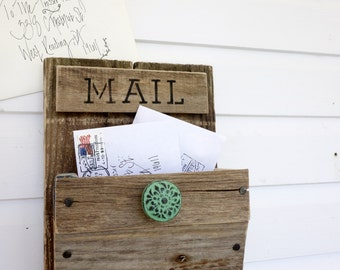 Rustic Wall Mounted Mail Organizer with Design Options - Single Bin Hanging Organizer - Label Mail, Home, Keys, Jardin, or Poste