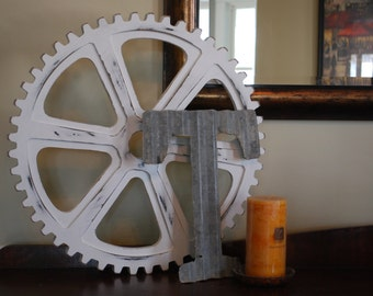 """20"""" Distressed Wooden Gear"""