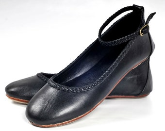 ELF. Black leather shoes / womens shoes / leather ballet flats / black flats / mary jane. Sizes 35-43. Available in different leather colors