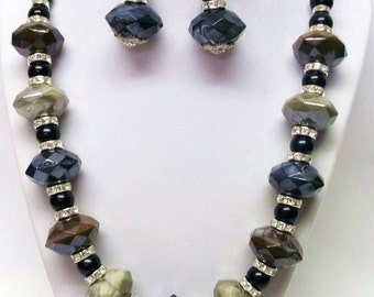 Chunky Faceted Acrylic Bead Necklace & Earrings Set