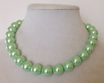 Mint Green Necklace, Mint Green Jewelry, Light Green Pearl Necklace, Green Necklace, Mint Green Pearl Necklace, Chunky Pearl Necklace