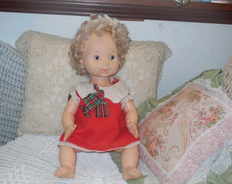 1978 Vogue Doll Sweet use to talk /S:)SALE Use Coupon Code CLEARINGOUT25 Must Be used at check out can not change after paying for item