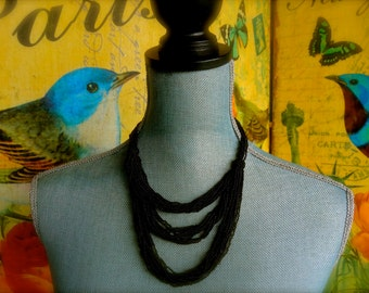 Vintage black glass neckless. Paris