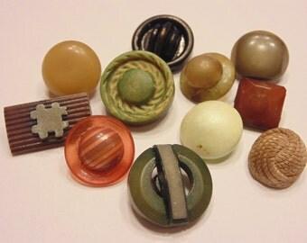 11 piece vintage button mix, 14-22 mm (48)