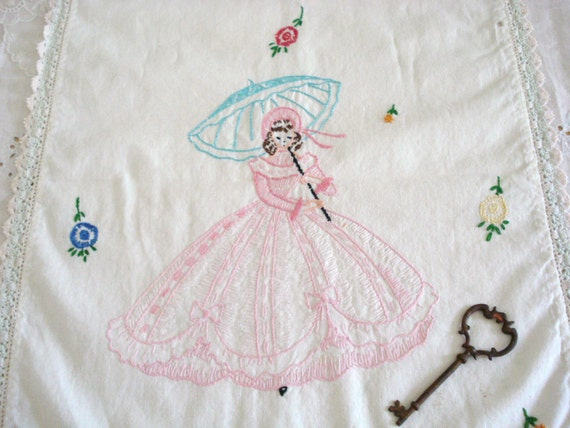 Vintage Linen:  Embroidered Dresser Scarf, Table Runner, Southern Belle, Shabby Chic