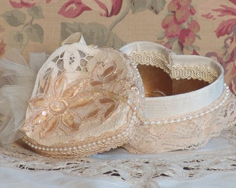 Sm. Cream Victorian Heart Shape Trinket Ring Keepsake Box - Hand Decorated HC-4