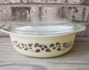 Vintage Gold Acorn Cinderella oval casserole Pyrex dish with lid