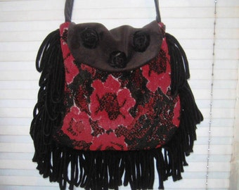 Red roses vintage tapestry bag purse, black red carpetbag, fringe back, hippie boho bag, abstract bag
