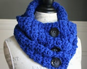 ULTRAMARINE Cowl Scarf with 3 black buttons, crocheted