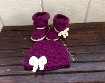 0-3 month Boots and Hat in Eggplant