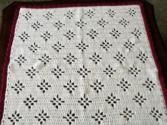 Crochet Baby Blanket Diamond Pattern : Crochet Baby Blanket Ivory with Maroon Trim Diamond Pattern