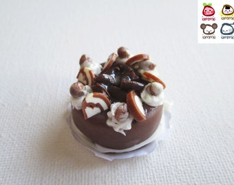 Miniature Cake, miniature clay cake, food figurine, chocolate cake, miniature clay sweet, polymer clay cake, mini, dessert, dollhouse, tiny