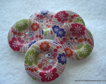 30mm Wood Button Pink Purple and Lime Pattern Pack of 5 Bright Buttons WW3020