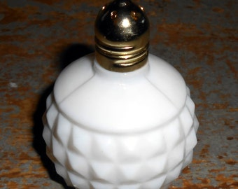 Vintage Salt Shaker, Milk Glass, White, Pepper Shaker, Shabby