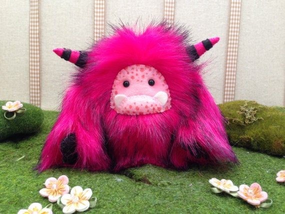 "Yeti artist bear, fuchsia and black faux fur monster plush ""Frizzle"""