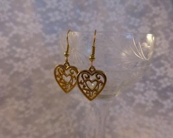 Vintage Pierced EARRINGS FILIGREE Dangle HEARTS Gold Tone Jewelry Romantic Feminine