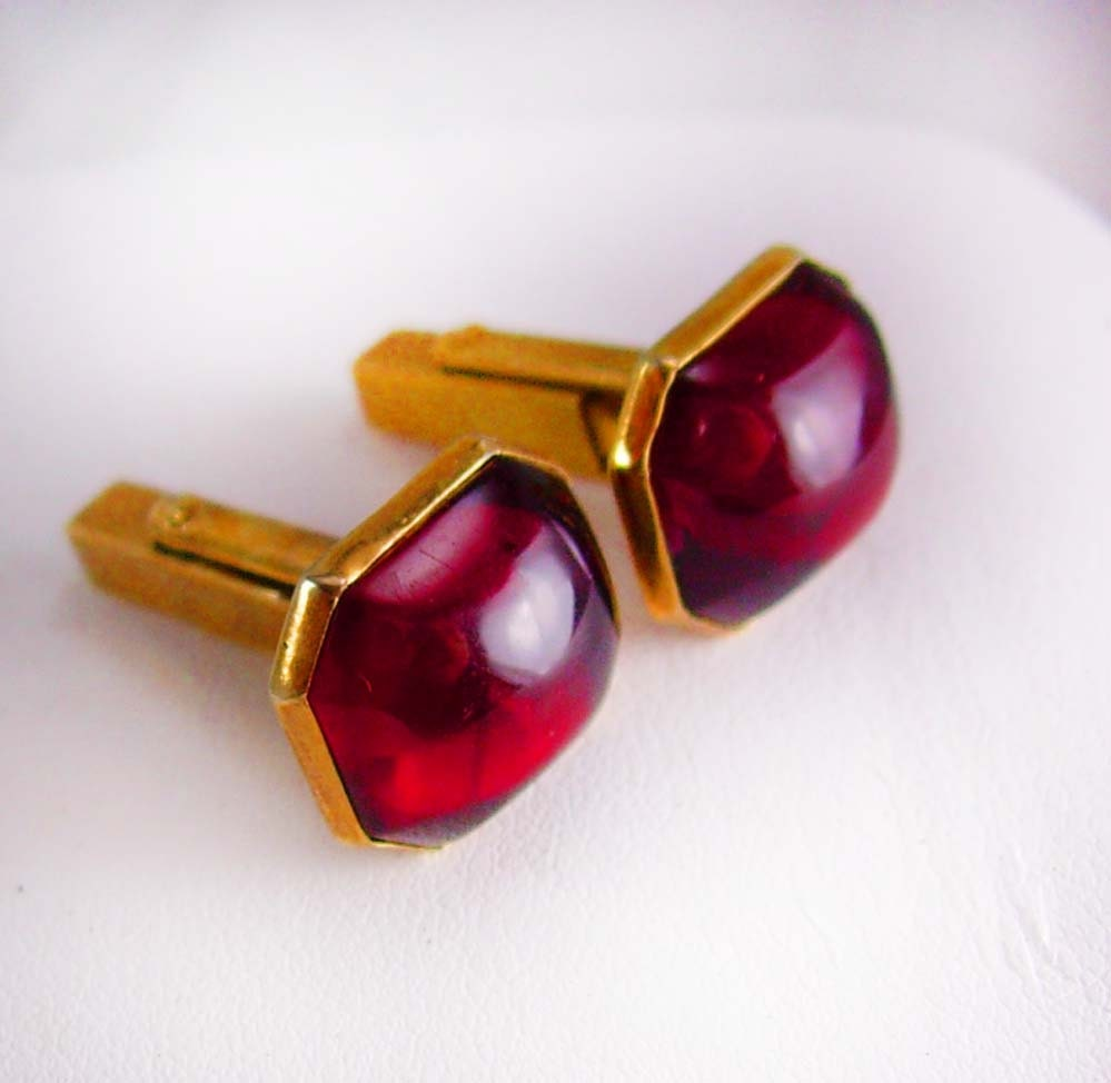 Blood red haunted jeweled cufflinks vintage swank rose gold for What is swank jewelry