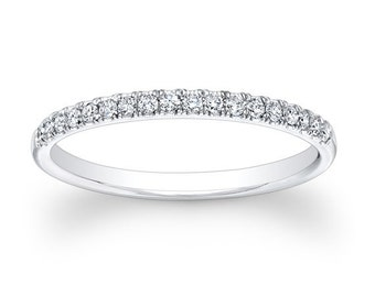 Platinum diamond wedding band 0.20 ctw G color VS2 clarity diamonds