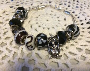 Black Hoot Owl  Charm Bracelet.