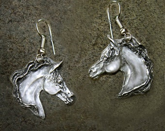 Horse earrings, Arabian