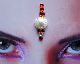 Winter love bindi - tribal fusion bellydance accessory - hindu woman jewelry - winter white red rhinestone bindi - fantasy