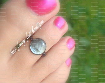 Toe Ring - Shell Coin - Stretch Bead Toe Ring