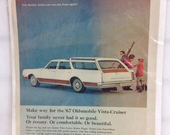 Vintage Car Ad 1967 Oldsmobile Vista Cruiser