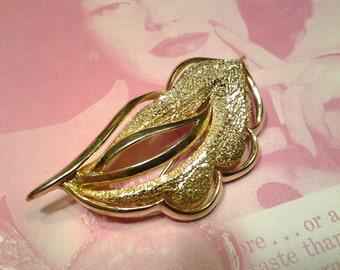 vintage costume jewelry  brooch pin leaf flower